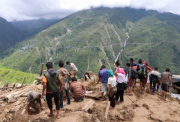 Un alud causa la muerte de 19 personas en Nepal