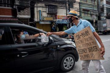 La pandemia puede llevar a 100 millones de personas a extrema pobreza, advierte el  BM