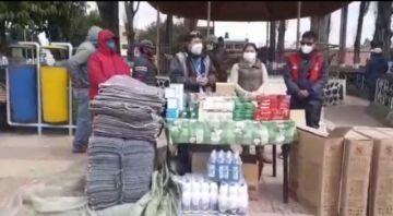 Residentes puneños entregan ayuda para centro COVID