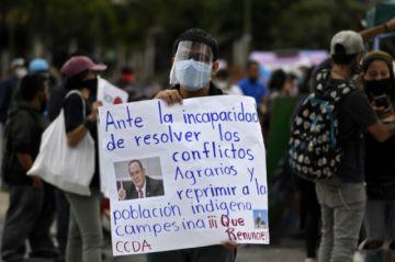 Protestan en Guatemala en demanda de renuncia del presidente por gestión de la pandemia