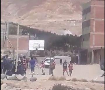 Vecino denuncia que en Puitucani juegan futbol y abren tiendas