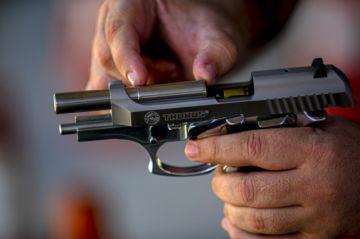 Una diputada es procesada por tramar asesinato de su marido en Brasil