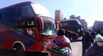 El transporte interdepartamental realiza servicio con incremento de pasajes