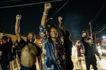 La ira por el racismo en Estados Unidos resurge con manifestaciones