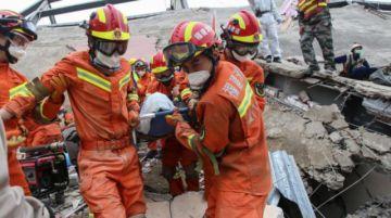 Derrumbe de un restaurante en China deja 17 muertos
