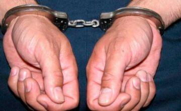 """Aprehenden a un ex alto funcionario acusado de """"negociar"""" cargos de notarios"""