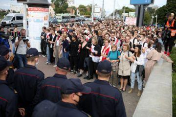 Estudiantes marchan en Minsk contra la reelección de Lukashenko