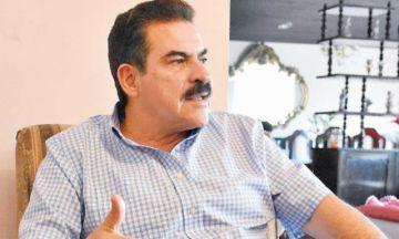 Manfred Reyes Villa salió del país; su abogado dice que tiene permiso judicial y volverá
