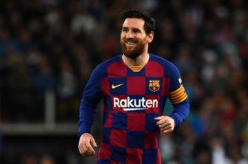 Lionel Messi anuncia que seguirá en el Barcelona para evitar ir a juicio