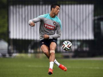 Ronaldo con pocas posibilidades de jugar contra Croacia, anuncia Santos
