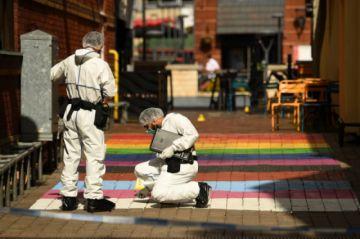 Policía británica se lanza a la búsqueda de autor de apuñalamientos en serie
