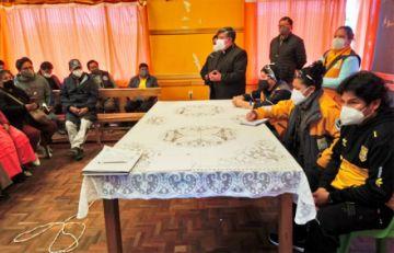 Dirigentes y alcaldesa de El Alto firman acuerdo para canasta estudiantil