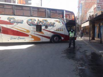 Villazón amaneció bloqueado por los transportistas