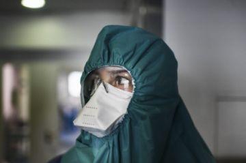 Según estudio, médicos de cuidados intensivos contraen menos coronavirus que sus colegas