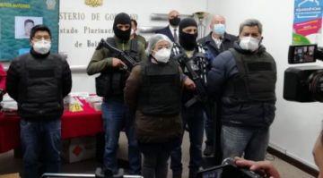 Presentan a tres personas que llevaban explosivos y dinero a bloqueadores en agosto
