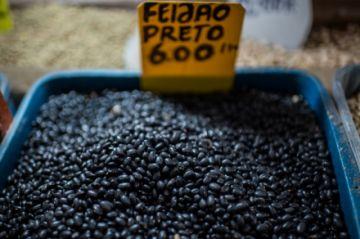 Los precios de los alimentos se disparan en Brasil
