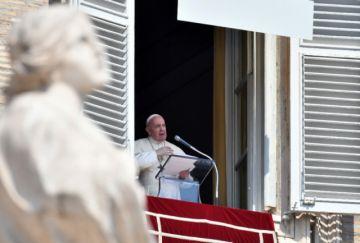 Papa insta a manifestantes a ser pacíficos y a autoridades a respetar sus derechos