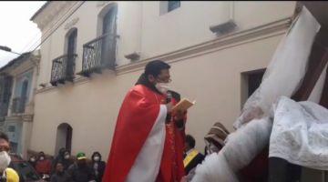 Siga la procesión del Señor de la Vera Cruz en Potosí