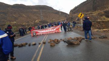 Comenzó el bloqueo de caminos de los mineros en San Antonio