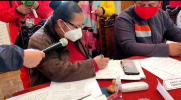 Concejo Municipal aprueba informe de Carlos Carmona sobre bono escolar