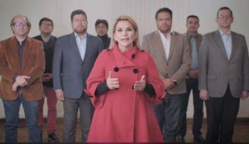 Jeanine Áñez renuncia a la candidatura para que no gane el MAS
