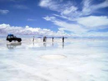 Inicia campaña para apoyar al Salar de Uyuni en premiación mundial