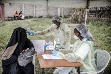 OMS dice en África que aprueba investigar remedios naturales contra el coronavirus