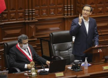 Presidente Vizcarra se salva de ser destituido por el Congreso de Perú