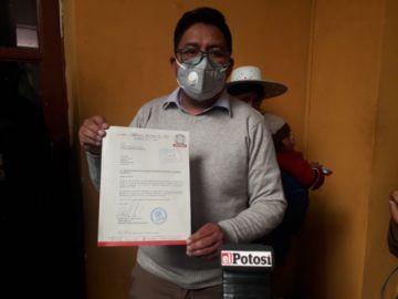 Alcalde entrega al Concejo Municipal el proyecto de ley para el bono estudiantil