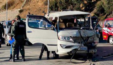 Reportan dos heridos en colisión múltiple en la Autopista La Paz-El Alto