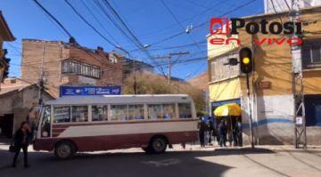 """Potosí ya vive el paro del transporte """"de las mil esquinas"""""""
