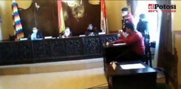 Concejo no sesiona, no hay respuesta sobre el bono estudiantil en Potosí