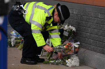 Un detenido dispara y mata a un policía en una comisaría de Londres