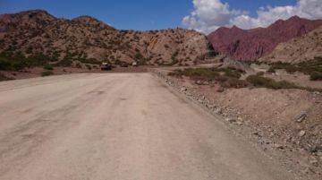 Asfaltado entre Tupiza y Uyuni está en riesgo por retraso de la Gobernación