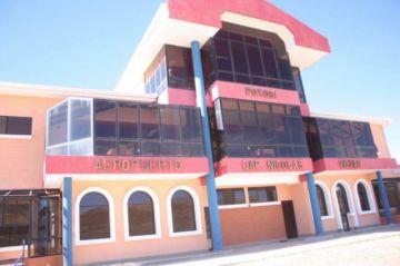 Gobernador pide garantizar recursos para el aeropuerto para Potosí
