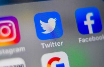 Senadores de EE.UU. convocan a los jefes de Facebook, Google y Twitter