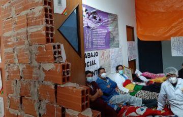 Piquete de médicos ingresa al décimo día de huelga de hambre en La Paz
