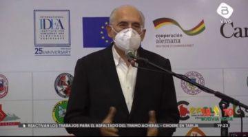 Carlos Mesa cambia de opinión y decide asistir al debate en La Paz