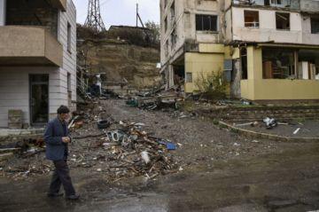Armenia y Azerbaiyán estándecididos a seguir los combates