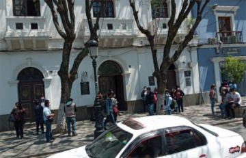 Tarija: cesan a 281 trabajadores en salud, pese a los miles de casos activos de coronavirus