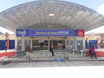 ¿Cuáles son los horarios de atención en la terminal de Buses?
