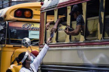 Migrantes hondureños son repatriados por Guatemala sin alcanzar EE.UU.