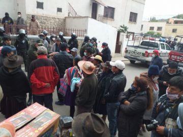 Casi lincharona dos ladrones en Yocalla