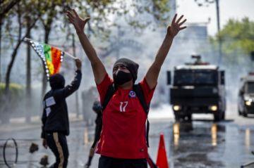 Chile no levantará cuarentena pero permitirá a todos votar en plebiscito