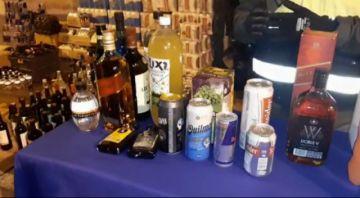 ¿Cuántas botellas de alcohol se decomisó en la primera noche de control al Auto de Buen Gobierno en Potosí?