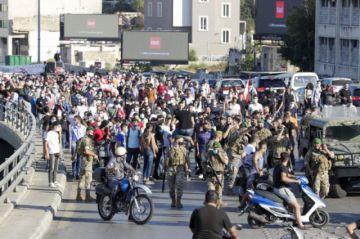 """Los libaneses salen a la calle por el primer aniversario de su """"revolución"""""""