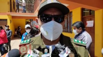 Recintos electorales colapsan de votantes en Potosí