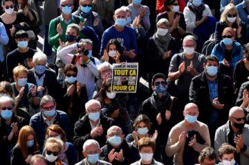 Francia prepara varias manifestaciones tras el asesinato de un profesor