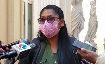 Eva Copa: No es el momento adecuado para que vuelva Evo Morales