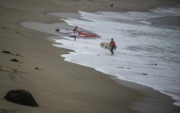 Perú mantiene prohibición de bañarse en el mar y tomar sol en playas por pandemia